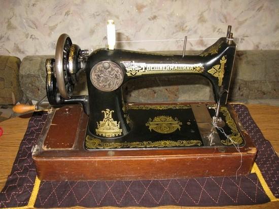 Швейная машинка Подольского завода 20-х годов выпуска